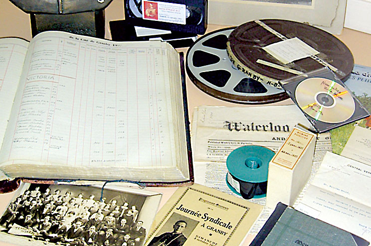 Documents d'archives: films, registres, photos, microfilms...