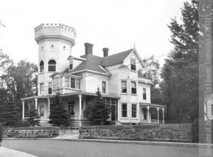 Maison de Palmer Cox, 125, rue Elgin, Granby. (Coll. Palmer Cox, SHHY)
