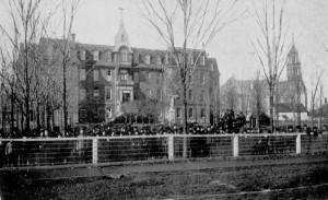 Le collège Saint-Joseph fut dirigé par les frères Maristes de 1890 à 1911.