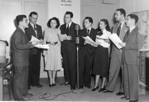 Comédiens du radio-théâtre à CHEF