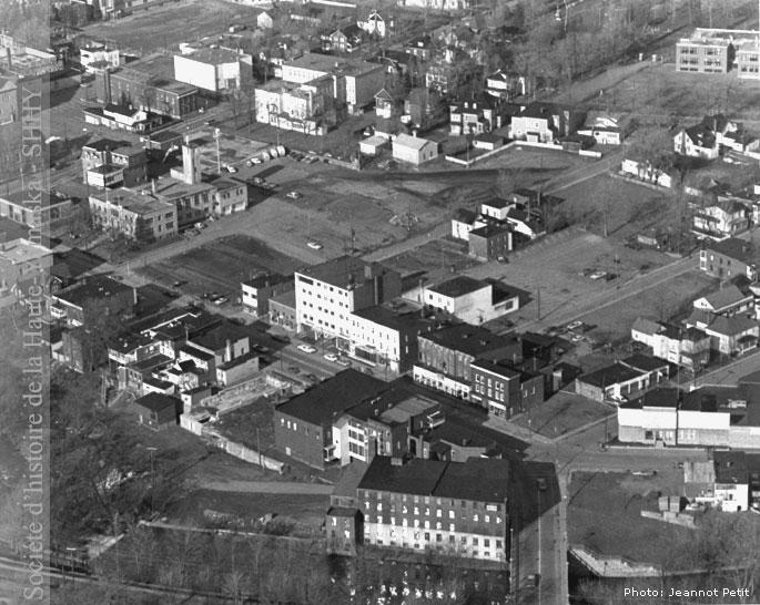 Centre-ville de Granby, en 1975