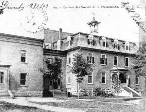 École de la Présentation de Marie, 1903. À gauche, l'externat. (Fonds École Présentation de Marie, SHHY)